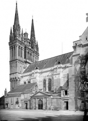 Cathédrale Saint-Maurice - Façade sud : partie ouest et clocher