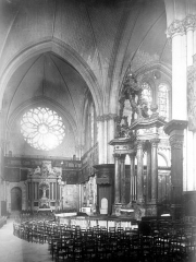 Cathédrale Saint-Maurice - Vue intérieure du choeur et du transept nord