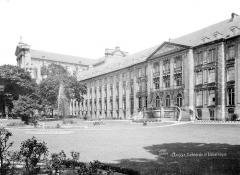Cathédrale Notre-Dame et Saint-Vaast - Bibliothèque : façade ouest