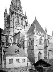 Cathédrale Saint-Lazare - Façade sud : Transept, clocher et salle capitulaire