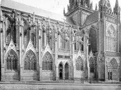 Cathédrale Notre-Dame - Façade sud : partie ouest et transept