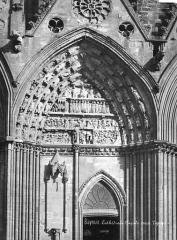 Cathédrale Notre-Dame - Portail sud de la façade ouest : Tympan