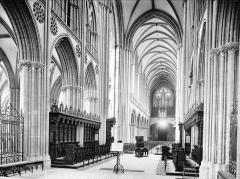 Cathédrale Notre-Dame - Vue intérieure de la nef, vers le sud-ouest