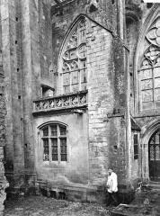 Cathédrale Notre-Dame - Façade nord : partie du transept et sacristie