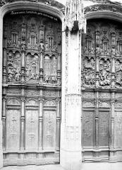 Cathédrale Saint-Pierre - Portail du transept sud : porte