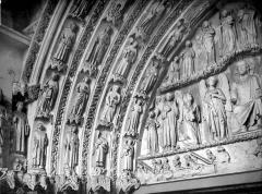 Cathédrale Saint-André - Portail royal de la façade nord : voussures et partie gauche du tympan