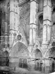 Cathédrale Saint-Etienne - Façade ouest : partie centrale