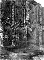 Cathédrale Saint-Etienne - Façade ouest : les deux portails sud