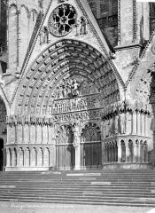 Cathédrale Saint-Etienne - Façade ouest : Portail central