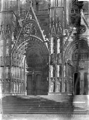Cathédrale Saint-Etienne - Façade ouest : Les deux portails nord