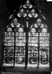 Cathédrale Saint-Etienne - Vitrail du bas-côté nord dit vitrail des Trousseau : Donateurs et patrons