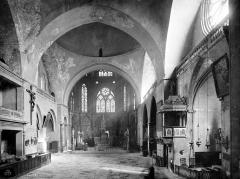 Cathédrale Saint-Etienne - Vue intérieure de la nef, vers le choeur