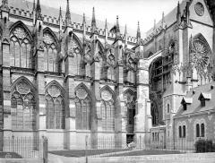 Cathédrale Saint-Etienne - Façade sud et transept