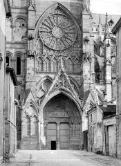Cathédrale Saint-Etienne - Portail du transept nord