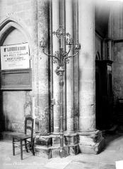 Cathédrale Saint-Etienne - Lampadaire
