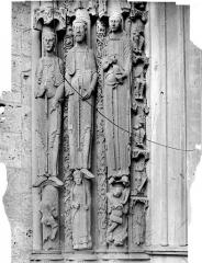 Cathédrale Notre-Dame - Portail nord de la façade ouest : statues-colonnes du piédroit gauche
