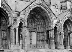 Cathédrale Notre-Dame - Portail central de la façade nord
