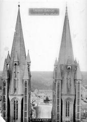 Cathédrale Notre-Dame - Tours clocher : partie supérieure, côté est