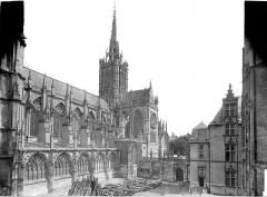 Cathédrale Notre-Dame - Façade sud et évêché
