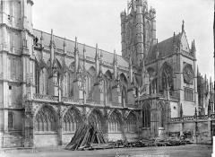 Cathédrale Notre-Dame - Façade sud : transept et tour centrale