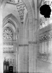 Cathédrale Notre-Dame - Vue intérieure du transept nord