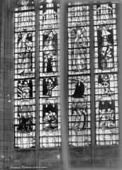 Cathédrale Notre-Dame - Vitrail du choeur : donateurs et saints personnages