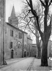 Cathédrale Saint-Léonce, baptistère et cloître - Façade nord sur rue