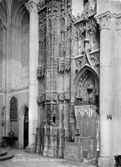 Cathédrale Notre-Dame - Ciborium dans le choeur