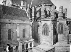 Cathédrale Saint-Mammes - Salle du Chapître et abside, côté sud