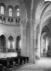 Cathédrale Saint-Mammes - Vue intérieure du déambulatoire, côté sud