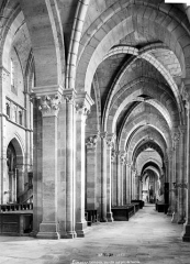 Cathédrale Saint-Mammes - Vue intérieure du bas-côté sud, vers l'est