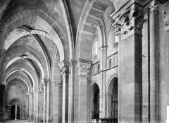 Cathédrale Saint-Mammes - Vue intérieure du bas-côté sud, vers l'ouest