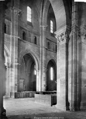Cathédrale Saint-Mammes - Vue intérieure de la nef : travée nord