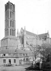 Cathédrale Saint-Etienne - Clocher et ensemble sud-ouest