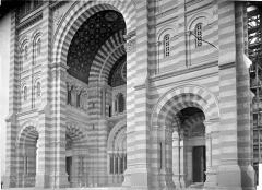 Cathédrale Sainte-Marie-Majeure, dite Nouvelle Major - Façade sud : partie inférieure