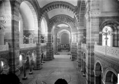 Cathédrale Sainte-Marie-Majeure, dite Nouvelle Major - Vue intérieure de la nef, vers le choeur, prise de la tribune