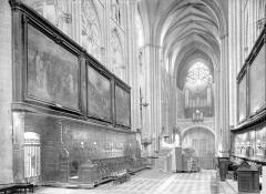 Cathédrale Saint-Etienne - Nef, vue du choeur