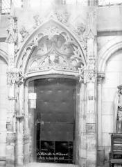 Cathédrale Saint-Etienne - Porte, bas-côté nord
