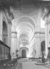 Cathédrale Notre-Dame de l'Assomption - Nef, vue du choeur