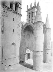 Cathédrale Saint-Pierre - Façade ouest, en perspective