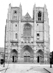 Cathédrale Saint-Pierre Saint-Paul - Façade ouest