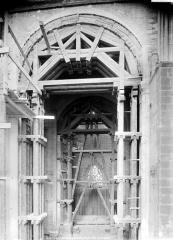 Cathédrale Saint-Pierre Saint-Paul - Vue intérieure du transept