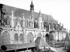 Cathédrale Saint-Cyr et Sainte-Julitte - Façade sud : partie est