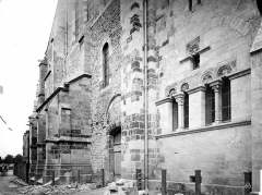 Cathédrale Saint-Cyr et Sainte-Julitte - Façade nord, en perspective : porte du transept