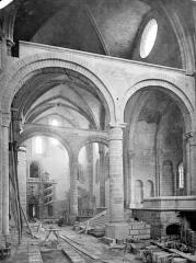 Cathédrale Saint-Cyr et Sainte-Julitte - Vue intérieure du transept nord