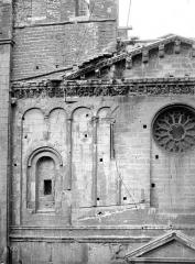 Cathédrale Notre-Dame et Saint-Castor - Façade ouest : partie supérieure gauche