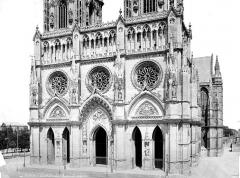 Cathédrale Sainte-Croix - Façade ouest : partie inférieure et portails