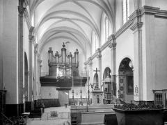Cathédrale Saint-Antonin - Vue intérieure de la nef, vers l'ouest