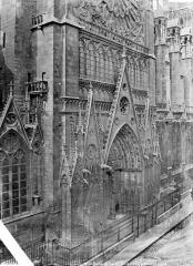 Cathédrale Notre-Dame - Portail du transept nord, en perspective