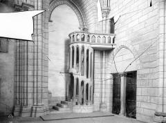 Cathédrale Notre-Dame - Vue intérieure de la chapelle, dans la tour